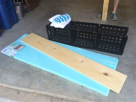 ketchin    riley   diy crate benches