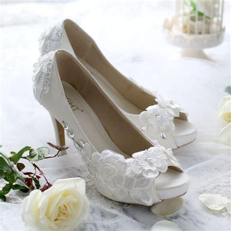 sepatu peeptoe chrysant putih slightshop