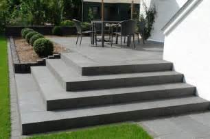 terrasse mit treppe die besten 17 ideen zu terrassen treppe auf aussenstufen verandatreppe und