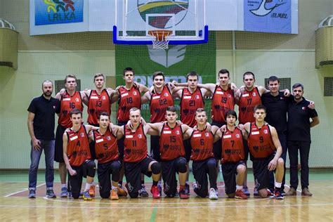 SKM žengia į vyrų krepšinį: jaunimo komanda rungtyniaus ...