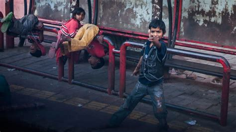 meet  street kids  india     paper