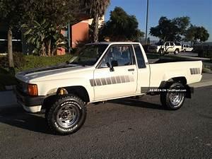 1985 Toyota 4x4 Pickup Truck 4wd Straight Axle 22re 84 85
