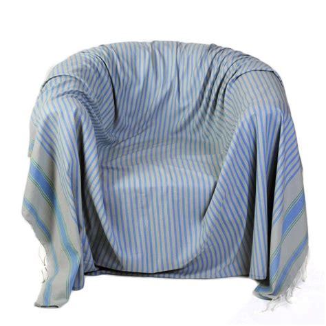 jeté de canapé gris perle jeté de fauteuil carré en coton fouta fond gris perle à