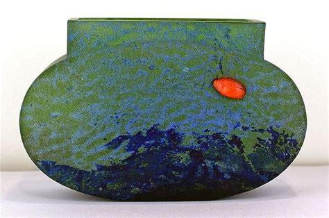 vase d 233 co en verre color 233 bleu et vert clair avec un sca