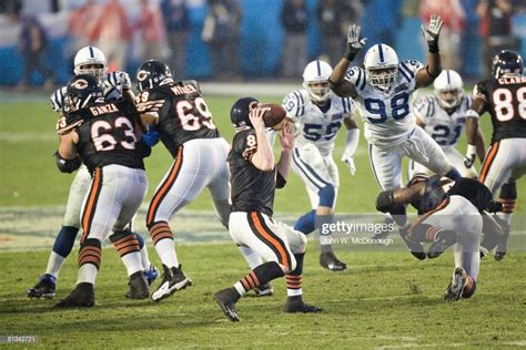 Super Bowl Xli Indianapolis Colts Robert Mathis In Action