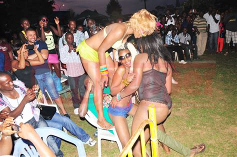 Rare Dance Strokes At The Bikini Car Wash Red Pepper Uganda
