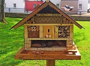 Große Löcher Im Garten Ohne Erdhaufen : insektenhotel f r wildbienen im garten ~ Eleganceandgraceweddings.com Haus und Dekorationen