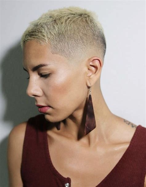 38 Chic Short Messy Haircut Ideas For Woman 2020 Page 4
