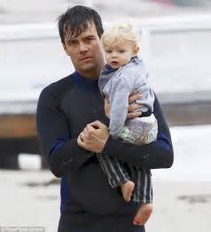 Josh Duhamel spends the day with son Axl on Malibu beach ...