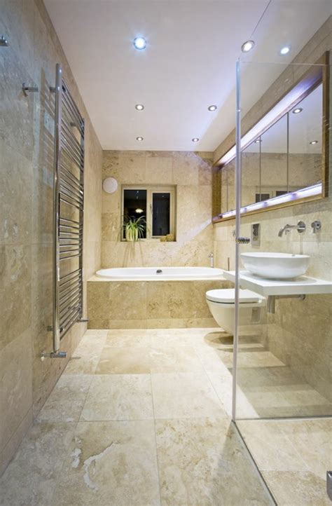 idees deco pour la salle de bain travertin