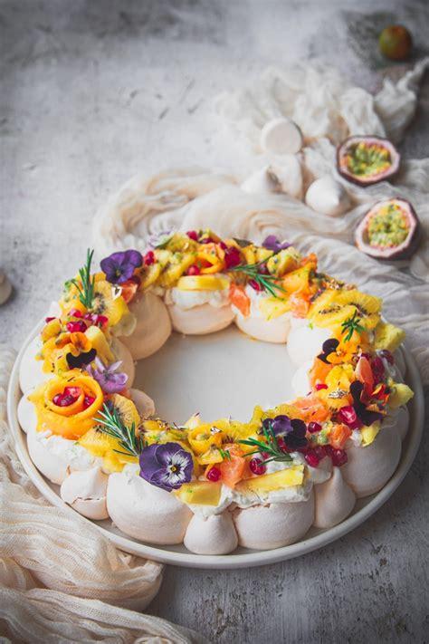 pavlova en couronne aux fruits exotiques recette de