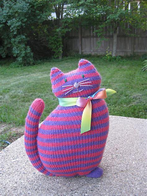 cat  kitten knitting patterns   loop knitting