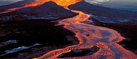 kilauea volcano in hawaii sprouts two 39 vigorous 39 lava