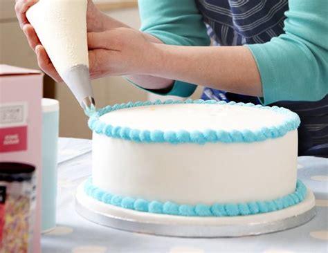 basic cake decorating class give   sugar