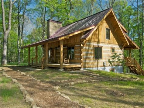 brown county cabin rentals two dogs a dreamin vacation log cabin in brown county indiana