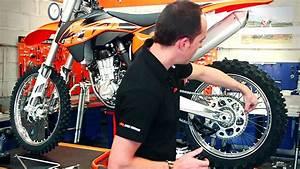 Image De Moto : r gler sa chaine et la transmission de sa moto avec tobesport m canique youtube ~ Medecine-chirurgie-esthetiques.com Avis de Voitures