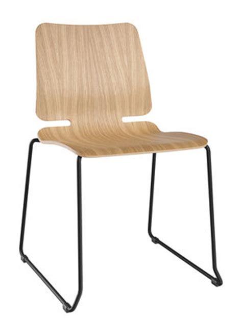 chaise à piètement luge jumbo chaise empilable noa piètement luge bois métal bois