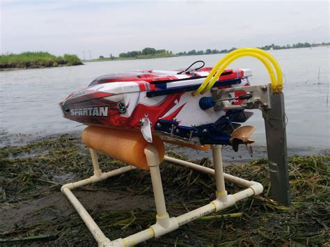 Boat Propeller Modifications by Traxxas Spartan With 3 Blades Prop
