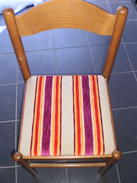recouvrir chaise recouvrir chaise paillée en tissu table de lit