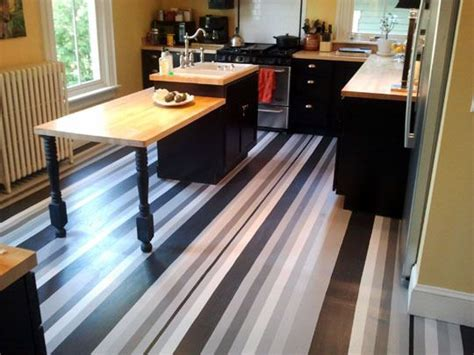 pictures of tiled kitchen floors 304 best painted floors images on home ideas 7492