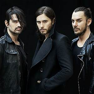 Video: 30 Seconds To Mars busk in Central London | Gigwise