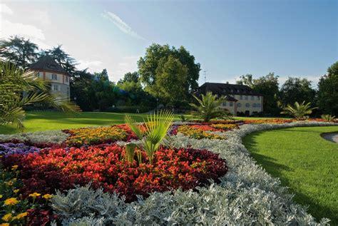 Pflanzen Konstanz by Insel Mainau Barockschloss Mit Palmen Und Orchideenhaus