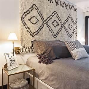 Tapis en tete de lit chambre inspirations decoration for Tapis rouge avec tete de lit canapé