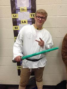The Black & White : Vote for best dressed of homecoming week