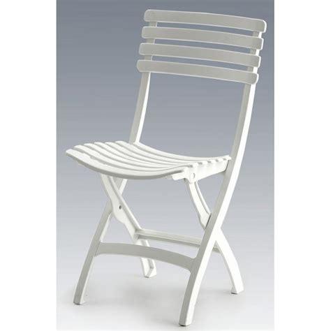 chaise en plastique pas cher chaise pliante plastique pas cher 5 idées de décoration