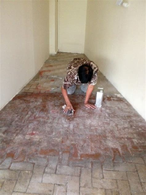 « Epoxy Painting on floor tiles AMK