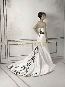 Black and white long sleeves gothic wedding dress for Long white wedding dresses