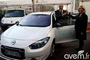 Renault Cagnes Sur Mer : une voiture de fonction lectrique pour le s nateur louis n gre ~ Medecine-chirurgie-esthetiques.com Avis de Voitures