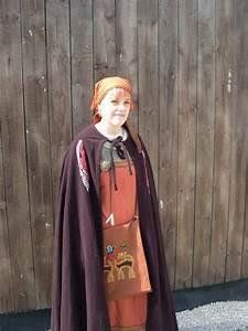 le Costume feminin viking