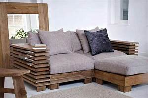 Pallet loveseat ottoman homemade furniture pinterest for Small sectional sofa decorating ideas