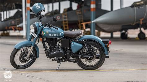 Royal Enfield Bullet 350 4k Wallpapers by Royal Enfield Classic Signals 350 With Abs Launched