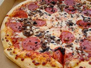 "Pizza Hut's ""Big Eat Pizza"" Deal 