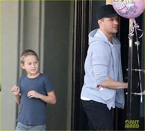 Reese Witherspoon Hits Salon, Ryan Phillippe Hangs with ...