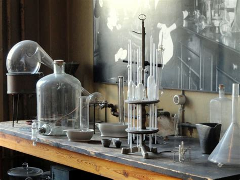 What is the scientific method: definition, steps, and pitfalls