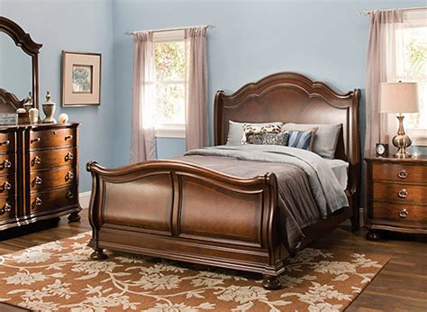 Pembrooke 4pc King Bedroom Set  Cherry  Raymour & Flanigan