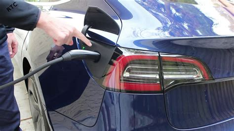 Get How To Recharge A Tesla 3 Pictures