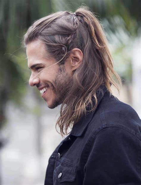 homme queue de cheval 1001 id 233 es coiffure homme cheveux longs crini 232 re