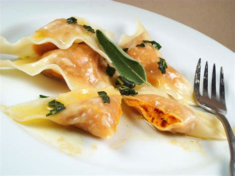 Cappellacci Di Zucca Mantovani Pumpkin Filled Tortelli Pasta