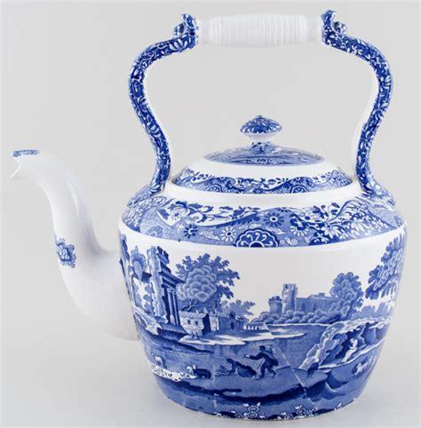 spode italian kettle cs lovers  blue  white
