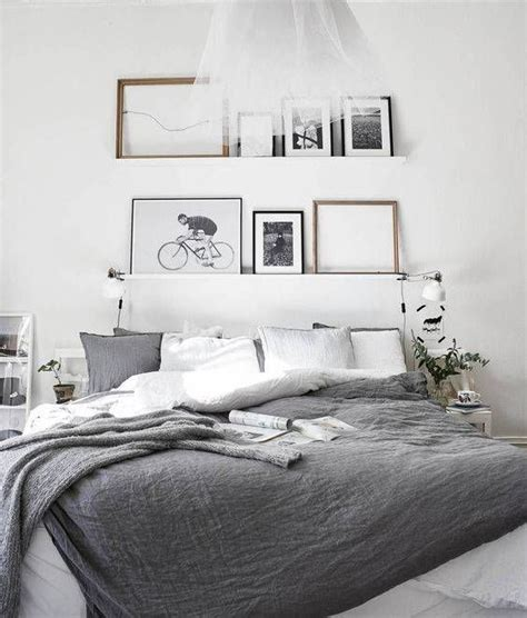 Bedroom Decorating Ideas For Unique Headboards by 25 Best Ideas About No Headboard Bed On No