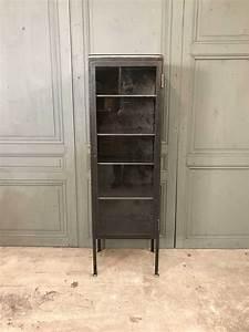 Petit Meuble Vitrine : petit meuble m dicaments vitrine 1950s en vente sur pamono ~ Melissatoandfro.com Idées de Décoration