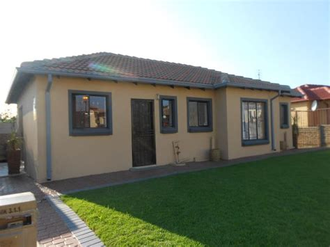 2 Or 3 Bedroom House For Rent by 3 Bedroom House For Sale For Sale In Noordwyk