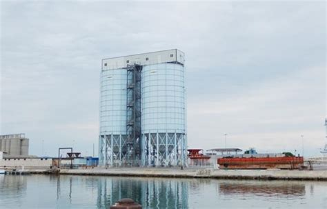 ciment lafarge acquiert les silos de carayon 224 port la