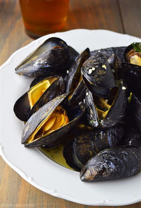 beer steamed mussels recipe kitchen swagger