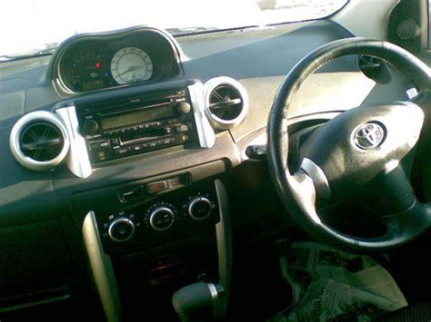 Toyota Land Cruiser 2014 V8 Wallpaper