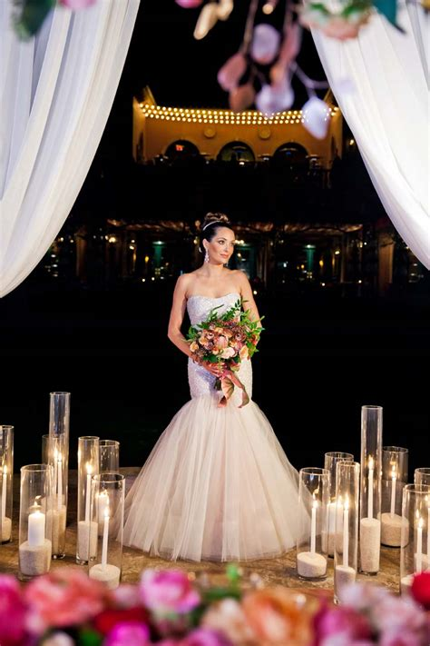 Wedding Decor Inspiration: Rose Gold Wedding Ideas